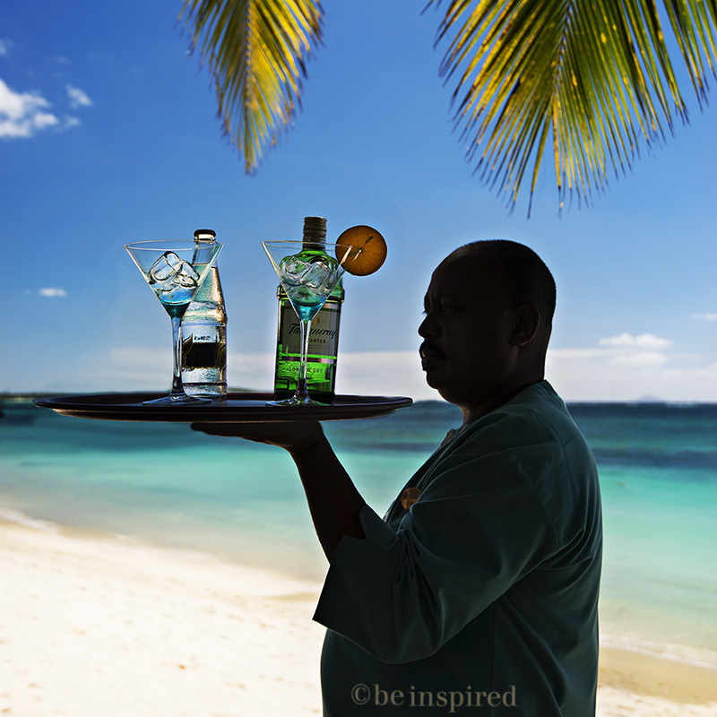 mauritius_belle-mare-plage_bartender_00