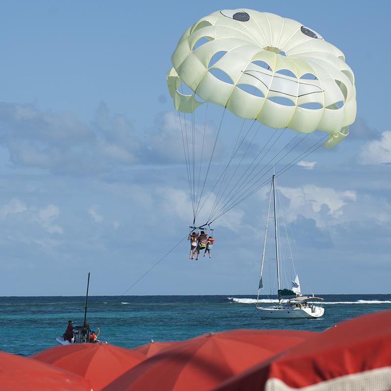 saint-martin_orient-beach_parflying_