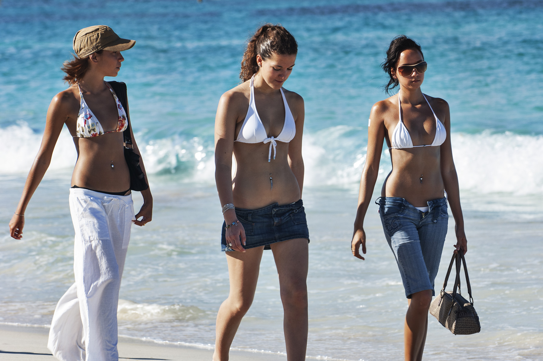 st-martin_orient-beach_three-girls_